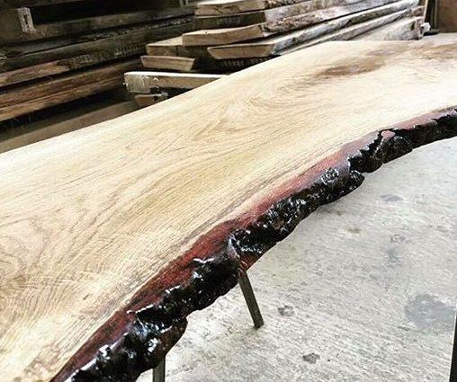 снимка на ръчна изработка на мебели от дърво